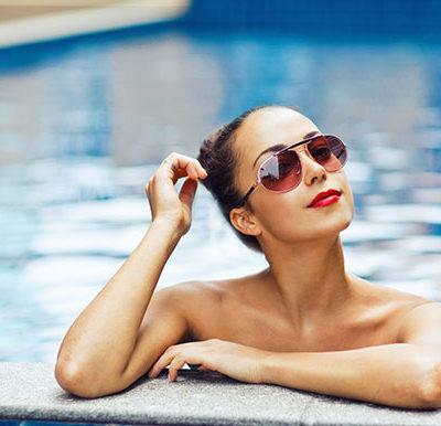 Jak dbać o włosy na wakacjach – 5 najlepszych rad