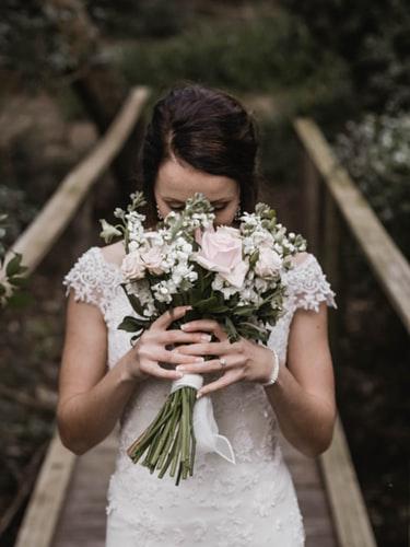 Fryzura ślubna 2019 upięcie
