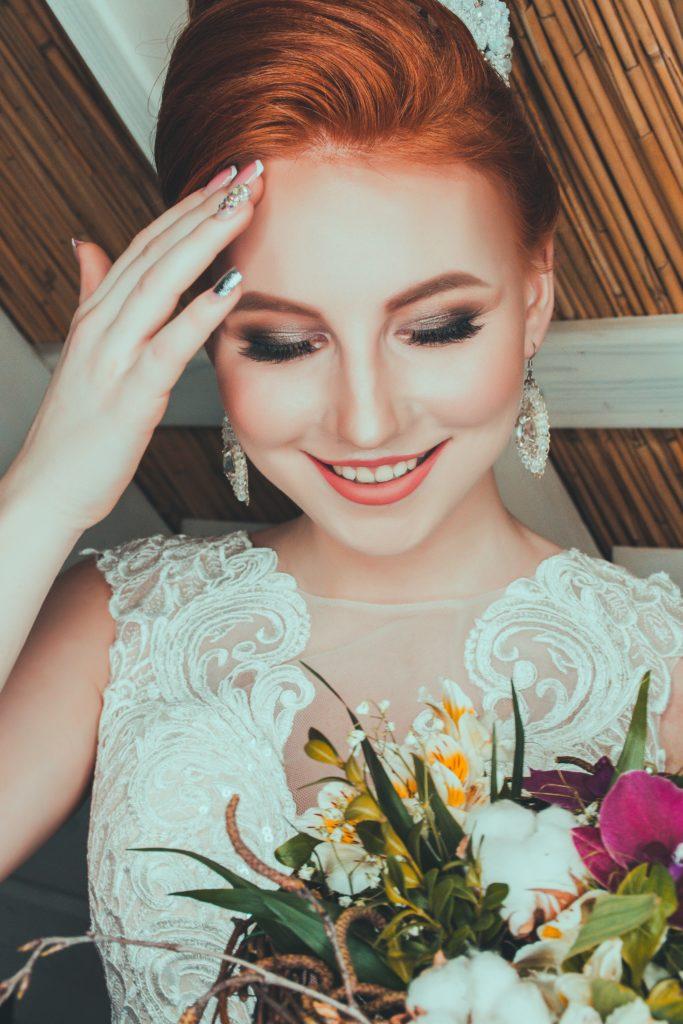 Fryzury ślubne 2019 glamour
