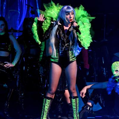 Noc w Apollo Theater – niesamowita fryzura Lady Gagi! Technika koloryzacji krok po kroku