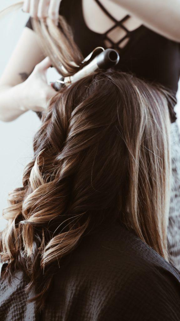 fryzury na objętość
