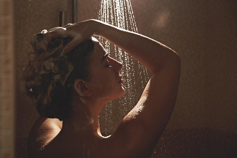 mycie włosów, prysznic