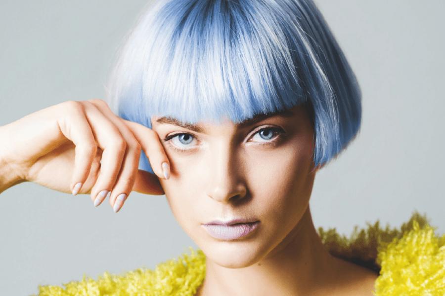 Niebieskie włosy w stylu Lady Gagi. Icy blue hair w mocnym wydaniu!
