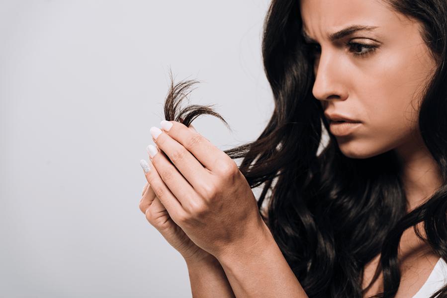 łamiące się włosy, rozdwojone końcówki
